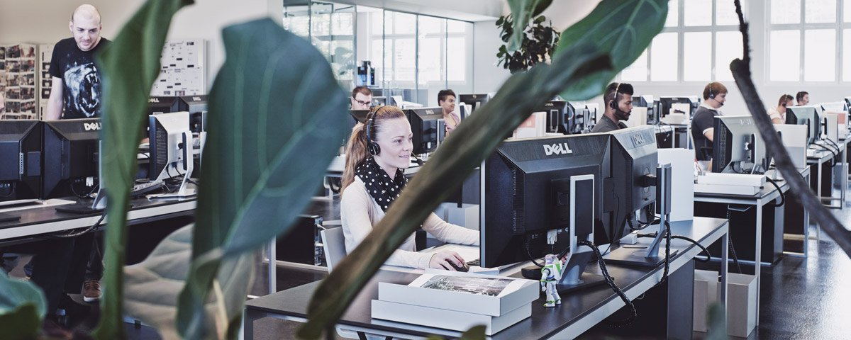 Hoststar-Mitarbeitende im Network-Operations-Center